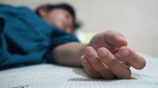 Eingeschlafene Hande In Der Nacht Das Steckt Dahinter