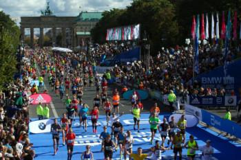 Berlin Marathon 2015: 41.224 Läuferinnen und Läufer starteten. Beim diesjährigen Lauf waren insgesamt 41.283 Profi- und Freizeitsportler dabei. © SCC EVENTS/Camera4