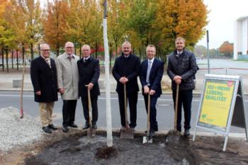 Von links: Prof. Dr. Bernd Kladny, Prof. Dr. Dr. Reinhard Hoffmann, Matthias Bauche, Prof. Dr. Florian Gebhard, Dr. Manfred Neubert und Prof. Dr. Heiko Reichel © DGOU